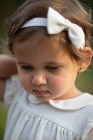 biala-sukienka-dla-dziewczynki-szyta-z-naturalnych-materialow-sklep-internetowy-lilen-lilenstore-74-80-92