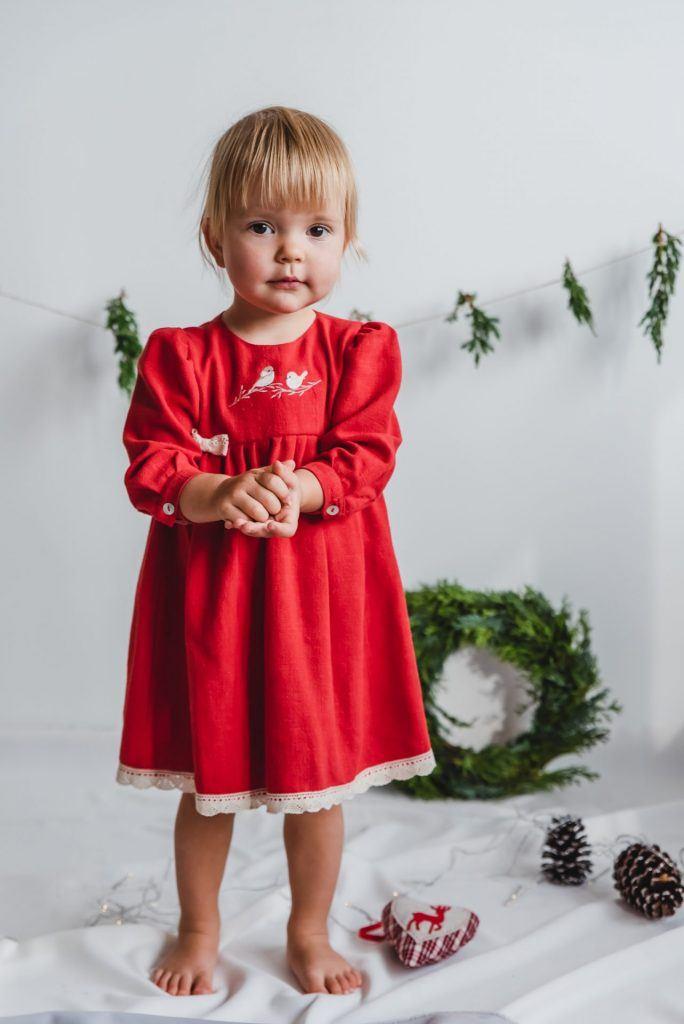 sukienka-swiateczna-dla-dziewczynki-handmade
