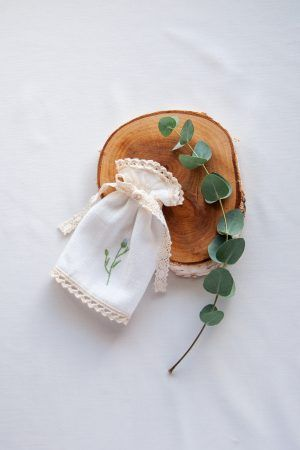 profitka-do-swiecy-na-chrzest-haftowana-handmade-swieca-do-chrztu-lilen